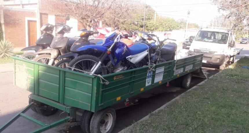 Control de motovehículos en Irigoyen y calle 13 con 52 actas de infracción y 22 secuestros.
