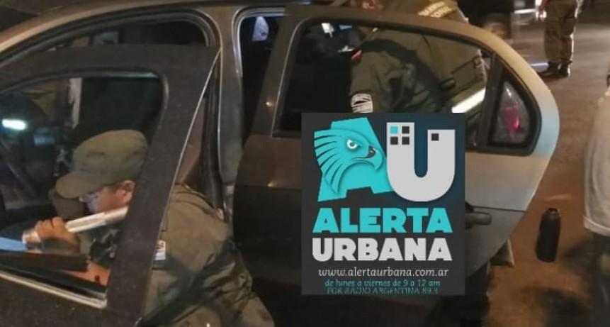 Policía trasladaba marihuana y además intento huir del control de Gendarmería