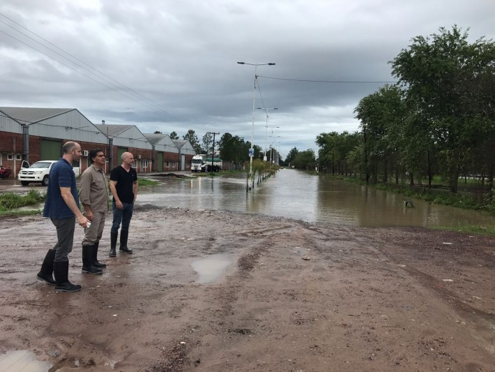 Dos escuelas y un centro comunitario albergan evacuados por la Municipalidad de Resistencia, producto del temporal del fin de semana.
