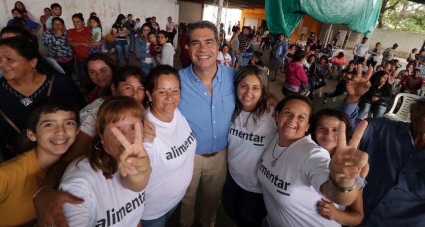 """Capitanich: """"Estamos garantizando un mercado seguro a comerciantes y nutrición al pueblo"""""""