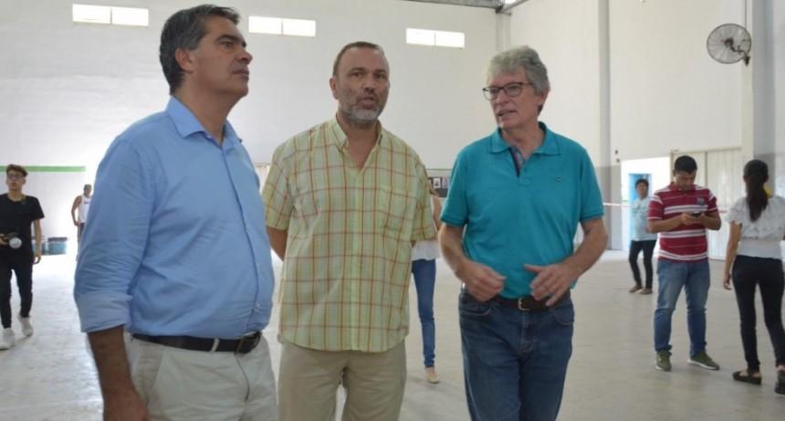"""Entrega de tarjetas Alimentar en Puerto Tirol: """"Significa para  muchas familias recuperar la dignidad"""", resaltó Sager"""