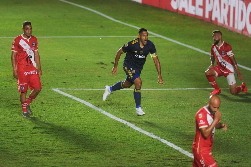 Wanchope Ábila hace vibrar a Boca: del blooper en el penal a un golazo de pura clase