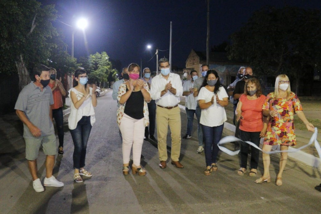 Capitanich inauguró pavimento urbano e iluminación led en Fontana
