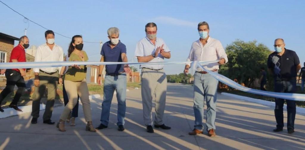 Capitanich inauguró 22 cuadras de pavimento urbano en Villa Ángela y Villa Berthet