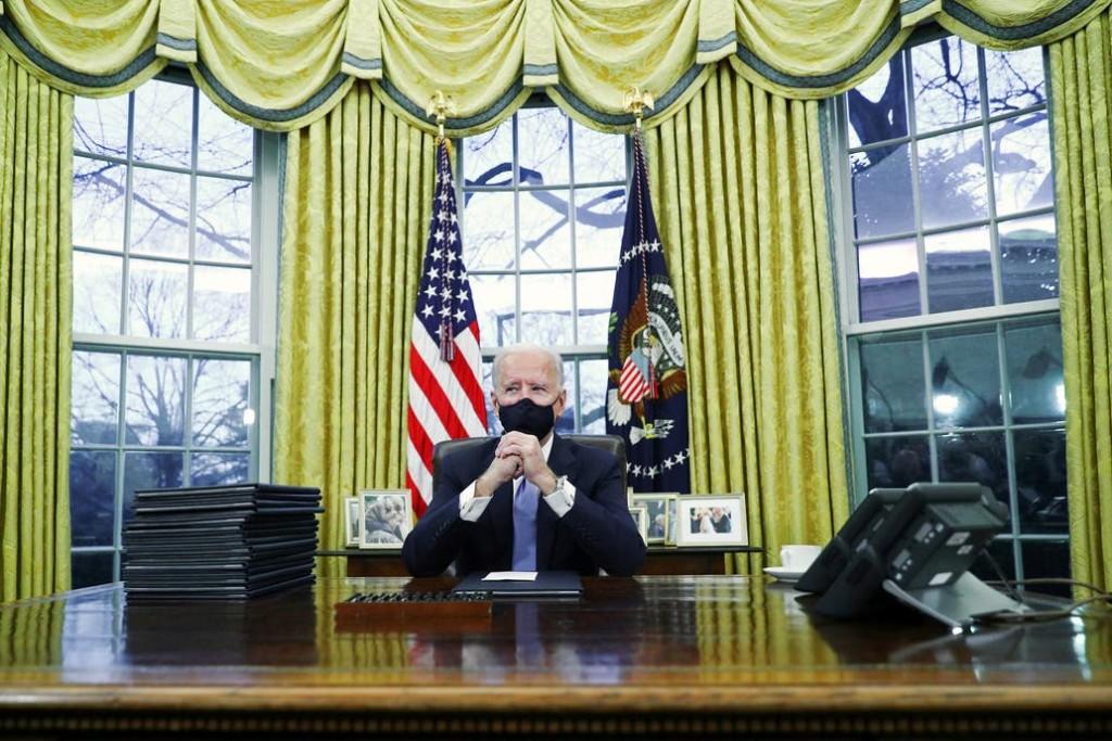 EE.UU: Joe Biden firmó sus primeros decretos como presidente