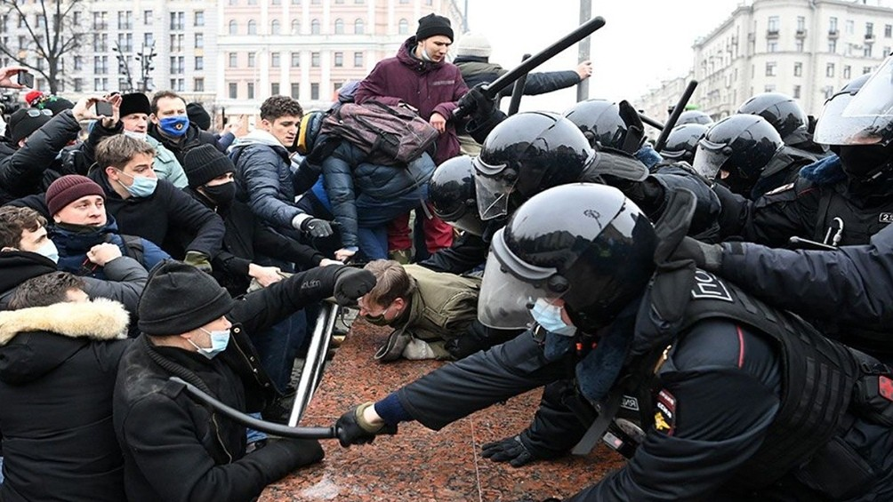 Más de 3.300 detenidos en protestas y una nueva acusación contra EEUU