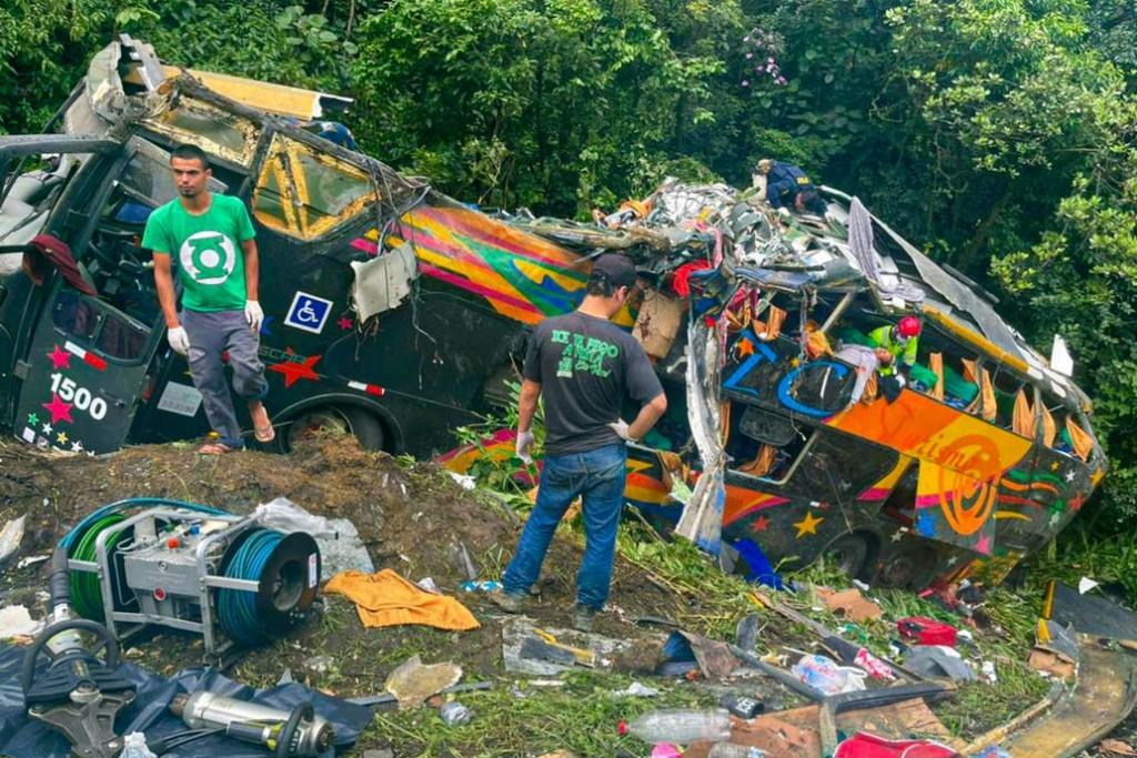 Al menos 21 muertos en un accidente de ómnibus en el sur de Brasil