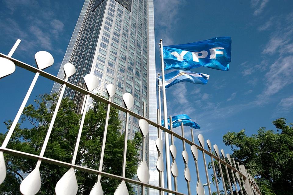 YPF: avanza la reestructuración pese a apuestas especulativas en contra