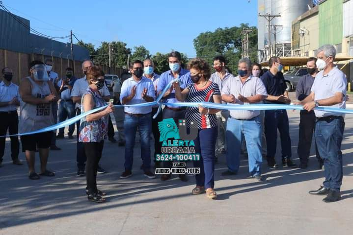 Capitanich inauguró pavimento urbano que conectará tres barrios