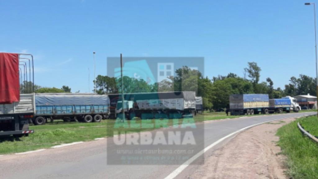 Urgente: Camioneros amenazan con boicotear los Carnavales de Villa Angela si no destraban el conflicto