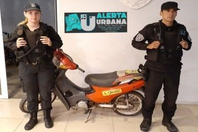 Rápido accionar de la policía motorizada permitió recuperar una moto