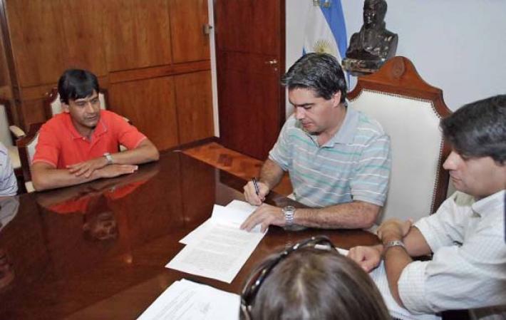 Gobierno busca evitar medidas de fuerza y convoca a una mesa de diálogo con UPCP