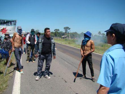 Tensión y caos vehicular por corte de la ruta 11: reclaman puestos de trabajo