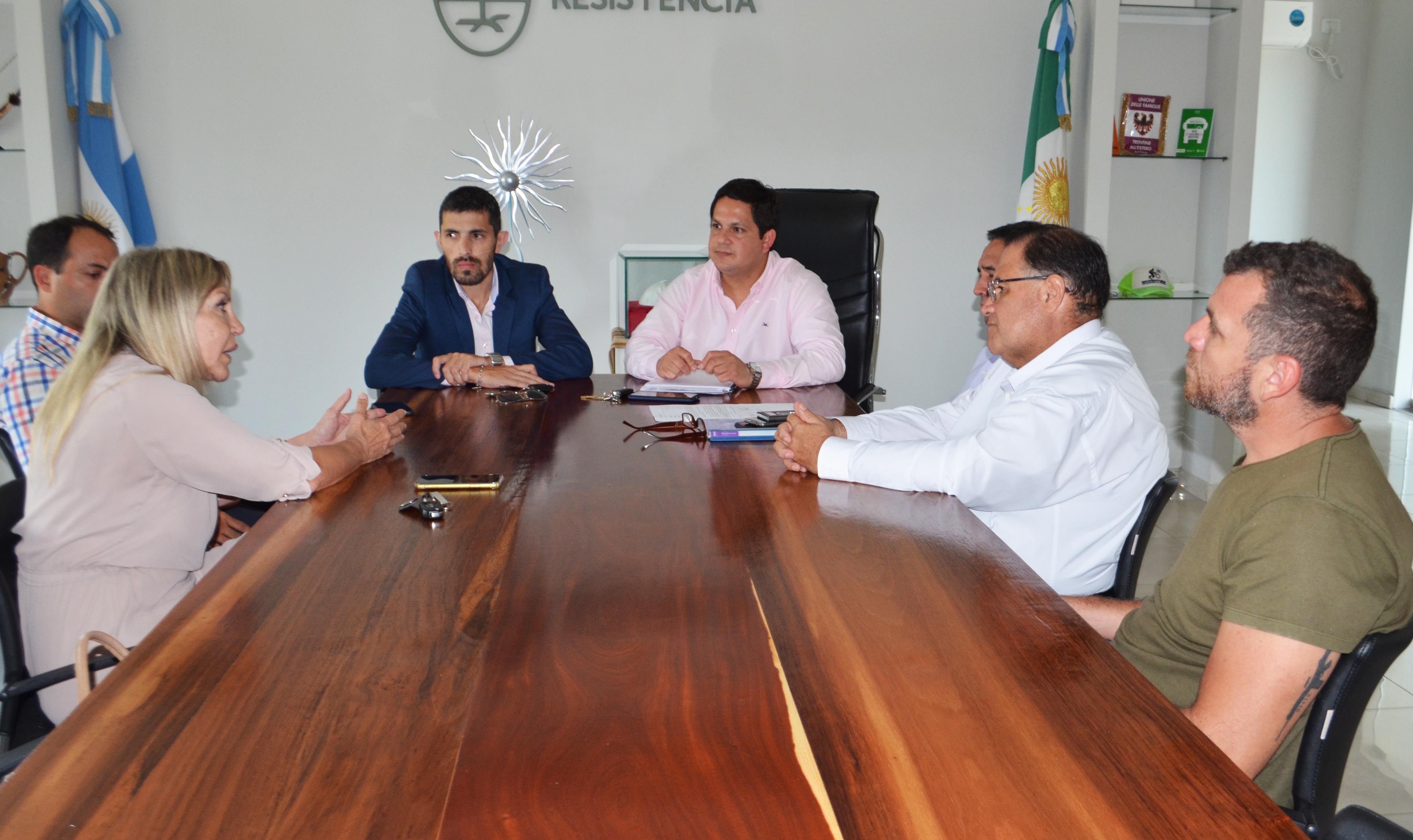 El municipio analiza junto a empresas privadas acciones para optimizar los servicios públicos