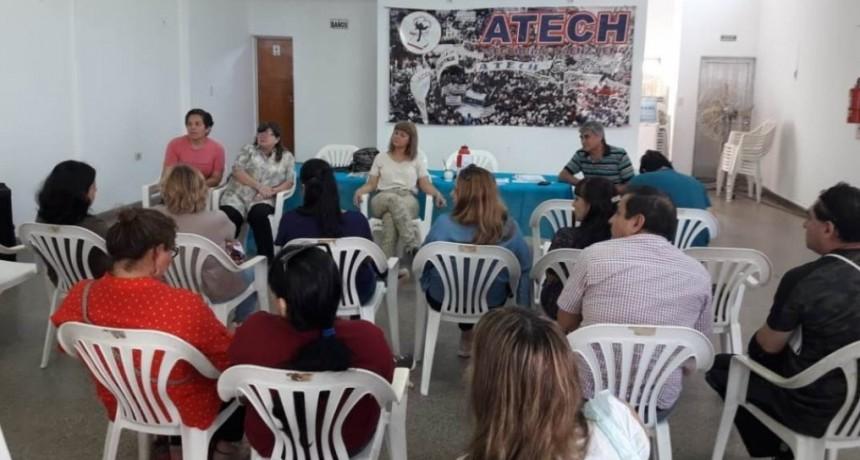Atech se reunió con docentes en Sáenz Peña