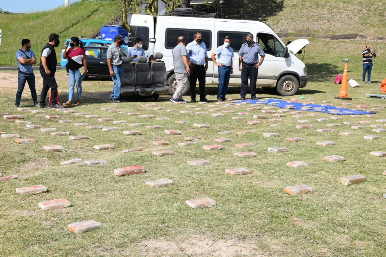 Droga en el puente Chaco-Corrientes: Hay un suboficial del Ejército detenido