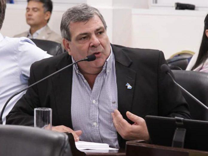 """""""En el Chaco de Capitanich también hay vacunados de privilegio"""" y pide la nómina de inoculados, expresó el diputado Peche."""