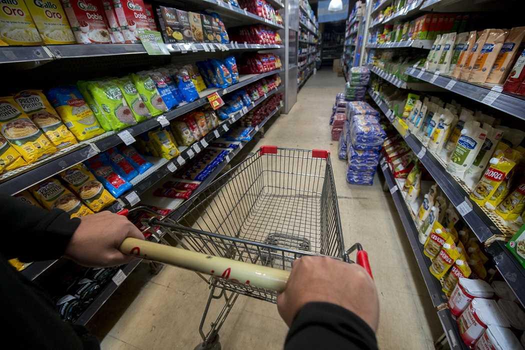 Las ventas en los supermercados subieron en diciembre 2,6% interanual