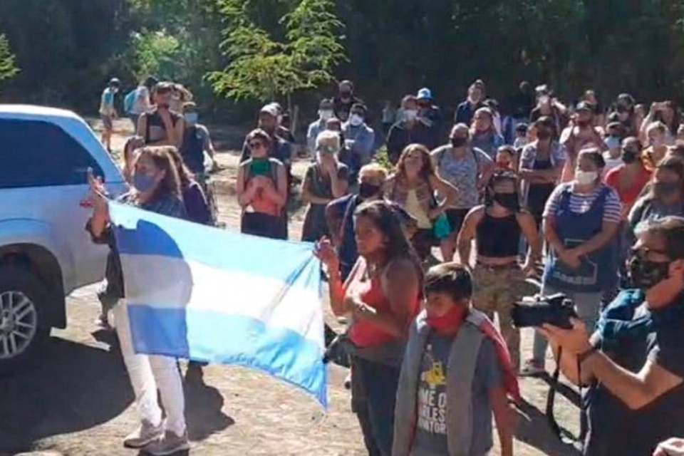 Marcha en Villa La Angostura por el femicidio de Guadalupe:
