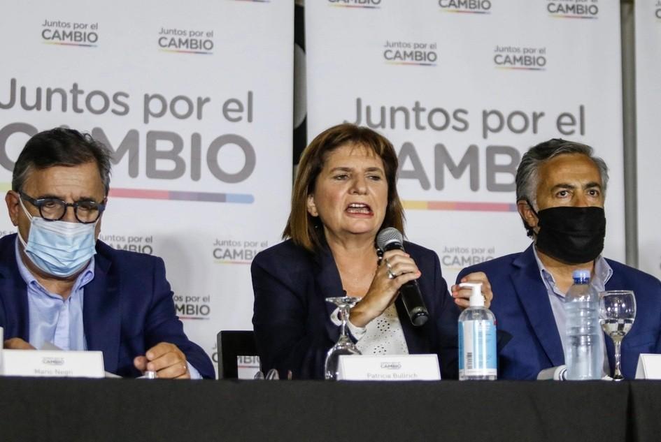 Bullrich cruzó a Quirós por las vacunas