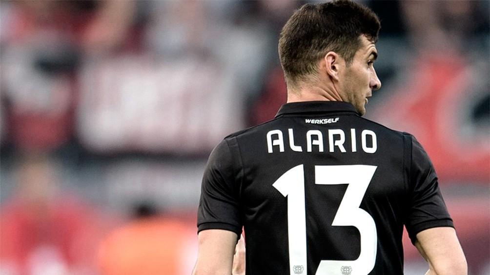 Bayer Leverkusen, con Alario, cayó ante Friburgo en el cierre de la fecha