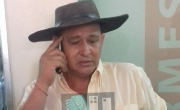 El MTD de Tito López, se manifestó frente a la Municipalidad para proponer trabajos comunitarios para cubrir multas recibidas