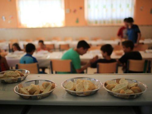 Comedores escolares: directivos y personal de servicio deberan asistir a los establecimientos
