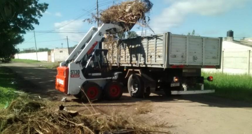 El municipio continúa con operativos de limpieza en la zona sur con guardias mínimas