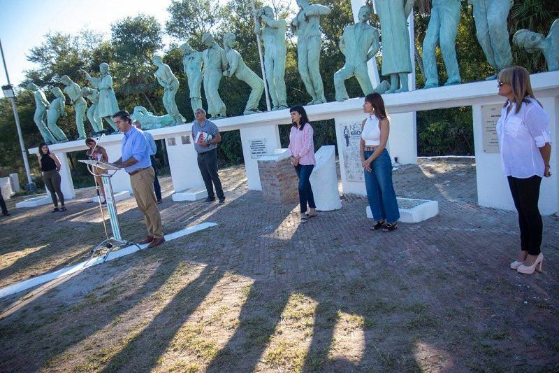Capitanich inauguró la restauración del Monumento a los Caídos en la Masacre de Margarita Belén