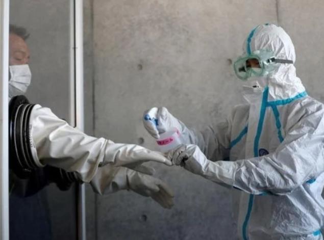 Tokio pide a China que detenga pruebas de hisopado anal para COVID-19 a ciudadanos japoneses