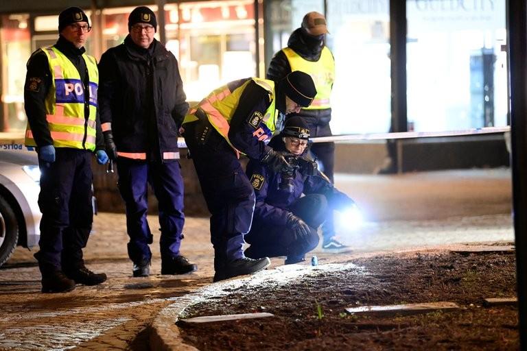 Ocho personas fueron apuñaladas en un presunto ataque terrorista en Suecia