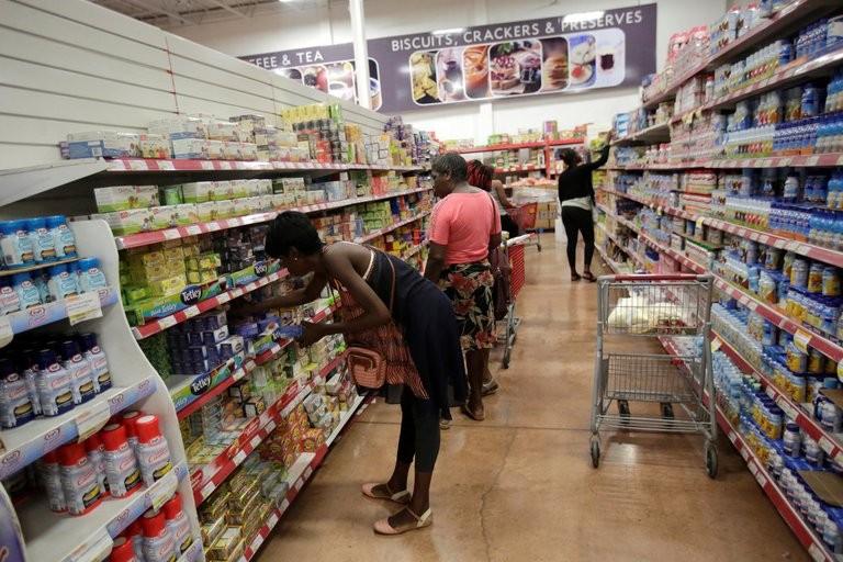 Furor en las redes: el Banco Central de Jamaica le explicó a un argentino como hace para mantener la inflación en un dígito