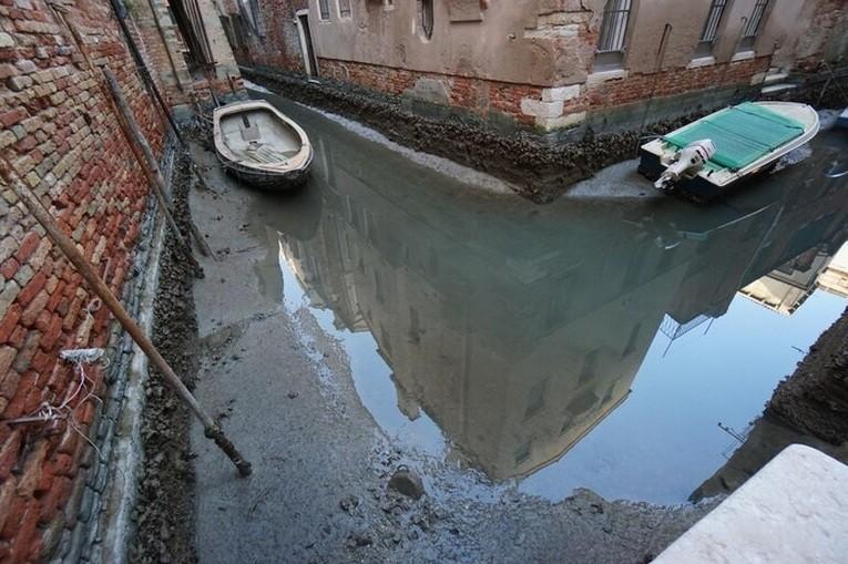 Las impactantes imágenes de Venecia sin agua