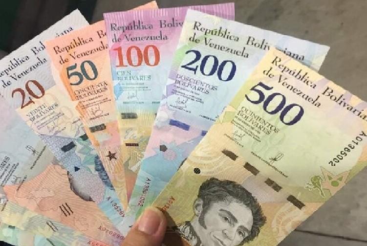 Venezuela lanza billetes de un millón de bolívares, que equivale a menos de un dólar