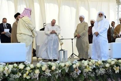 """El papa Francisco: """"No se puede callar cuando el terrorismo abusa de la religión"""""""