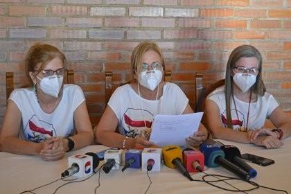 Las hijas del ex vicepresidente de Paraguay, Oscar Denis, exigieron a la guerrilla del EPP una prueba de vida de su padre tras seis meses de secuestro