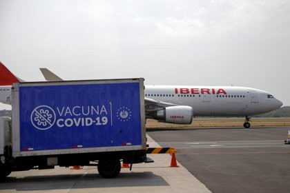 La Unión Europea confirmó que podrá bloquear las exportaciones de vacunas contra el COVID-19 para cumplir sus órdenes de compra