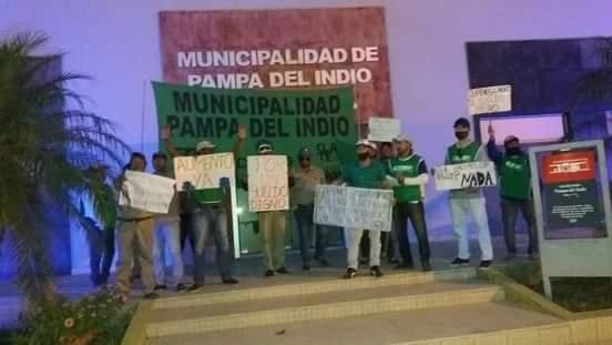 El Intendente se encerró para evitar que trabajadores municipales tomen el municipio