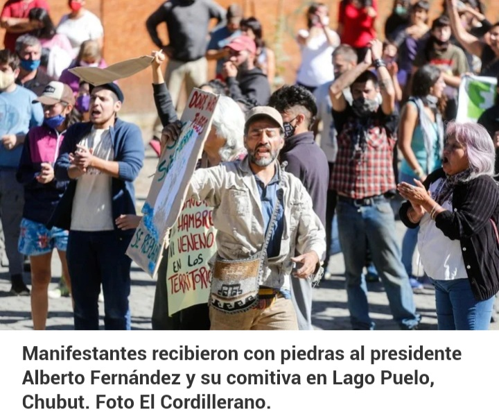 Manifestantes atacaron la camioneta en la que se trasladaba el Presidente en Chubut