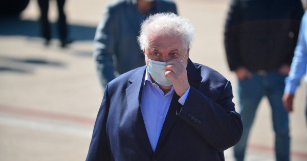 Video: echaron de un restaurante al ex ministro de salud Ginés González García