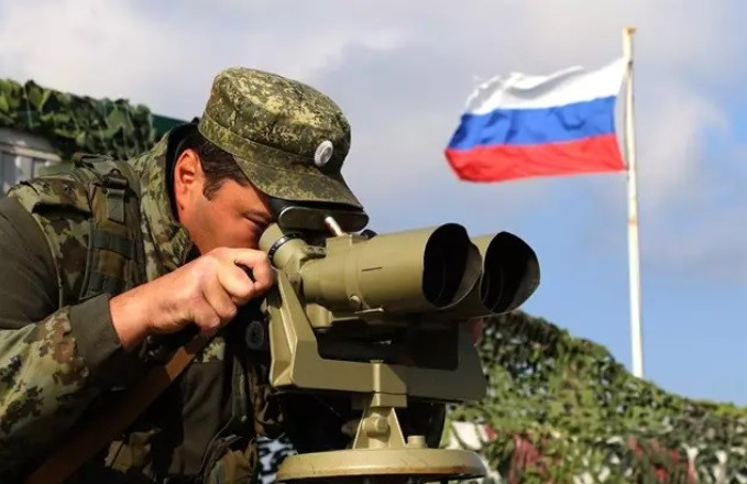 Rusia inicia maniobras militares en la península de Crimea
