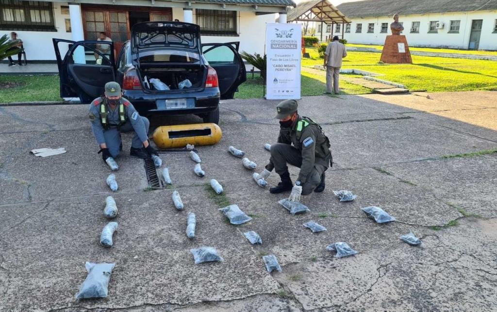 Corrientes: Hallan más de 11 kilos de marihuana dentro del tubo de GNC
