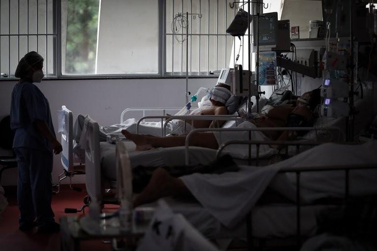 Casi 500 pacientes con Coronavirus aguardan su lugar en hospitales de San Pablo