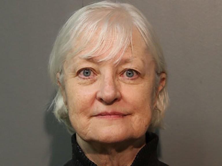 La mujer de 69 años que burló la seguridad de los aeropuertos y viajó 30 veces gratis alrededor del mundo