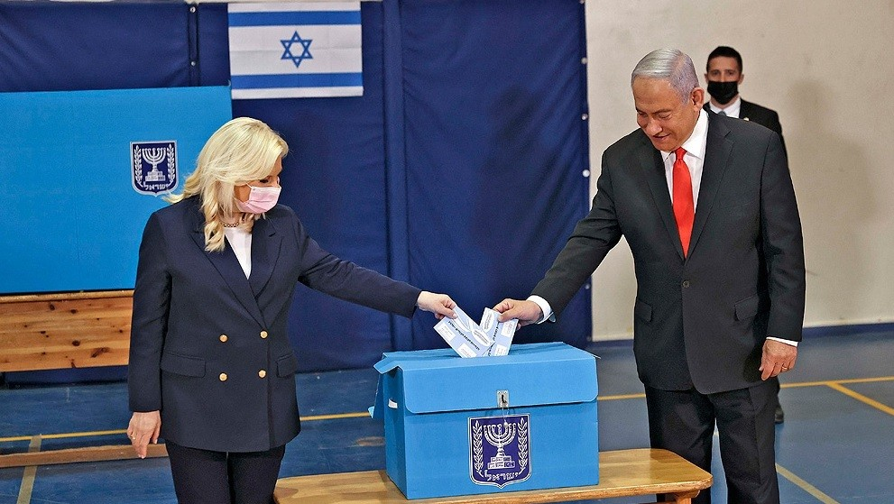Israel vota en comicios que decidirán el futuro de Netanyahu
