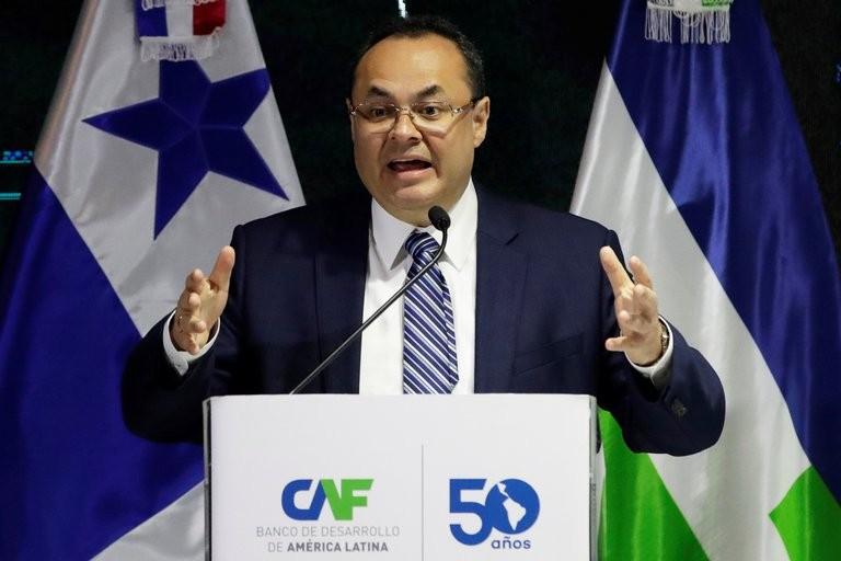 Renunció el presidente del Banco de Desarrollo Latinoamericano