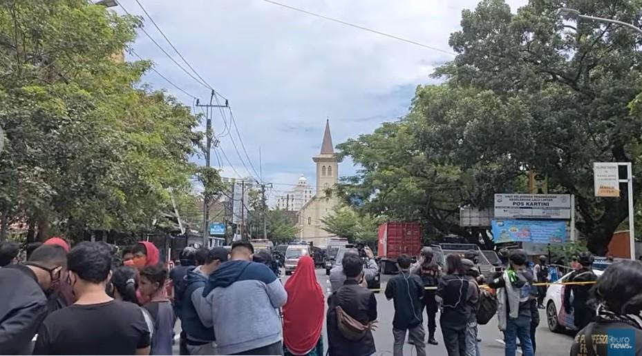 Domingo de ramos: atentado suicida en una catedral de Indonesia