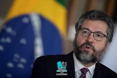 Brasil: renunciaron el ministro de Defensa y tres miembros máximos de las Fuerzas Armadas