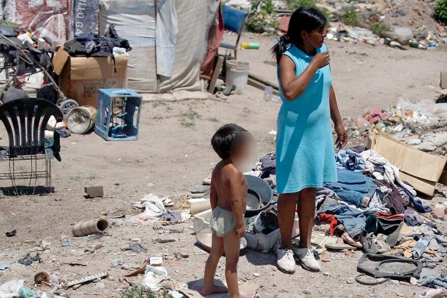 La pobreza subió más de seis puntos en un año y cerró en 42% en 2020
