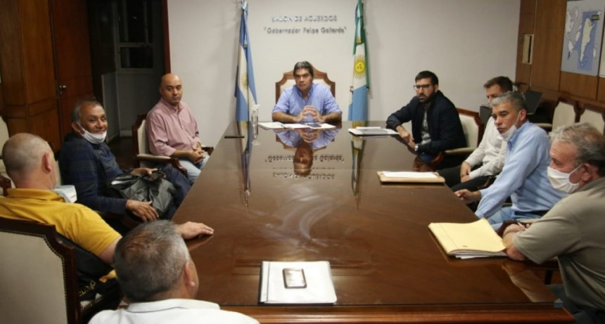 Tras reunión con el gobernador, taxistas y remiseros de Resistencia retoman su actividad